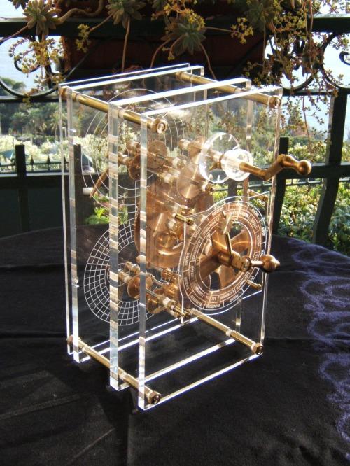 Modello del Calcolatore di Antikythera realizzato da John Gleave